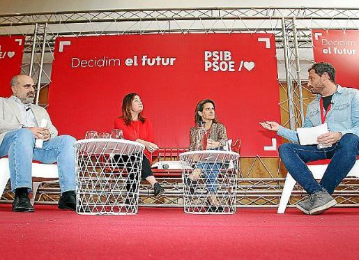 Marí-Klose, Armengol y Ribera, con el moderador.