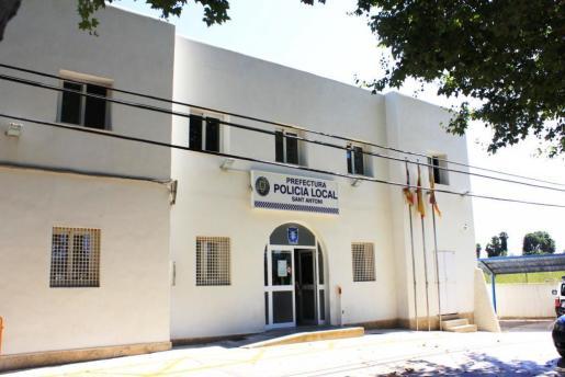 Retén de la Policía Local de Sant Antoni.