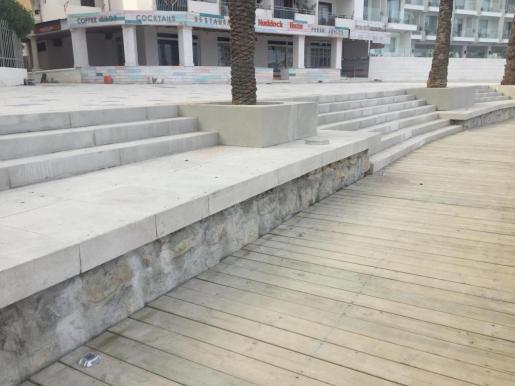 Imagen aportada por Proposta per Eivissa para criticar que el nuevo paseo de Figueretes incluye barreras arquitectónicas.