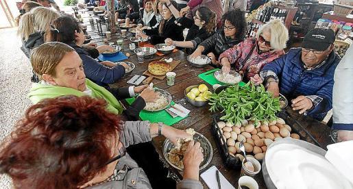 Los participantes pudieron llevarse cuinat y flaó a casa.