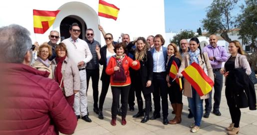 Imagen de la visita de los candidatos de Vox a Formentera