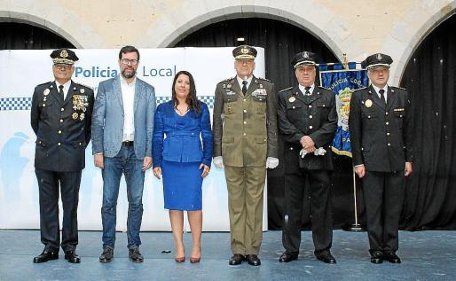 Josep Palouzié, Antoni Noguera, Angélica Pastor, Juan Cifuentes, Tomás Brull y José Antonio Bravo.