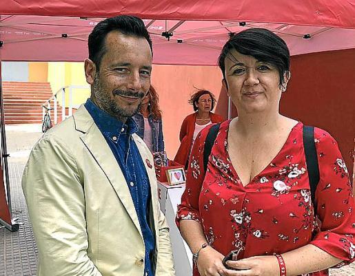 Rafa Ruiz, ayer, junto a la teniente de alcalde Elena López.