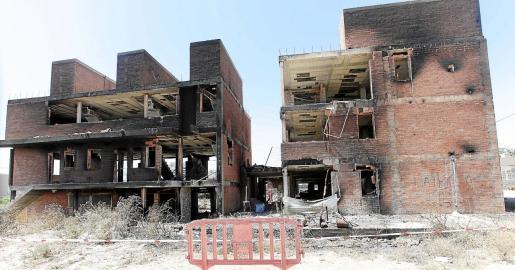 Vila explica que el edificio ha sufrido muchos daños, pero el incendio no ha afectado «gravemente» a su estructura.