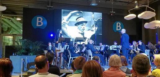 La actuación del sábado en Dénia resultó todo un éxito de público.