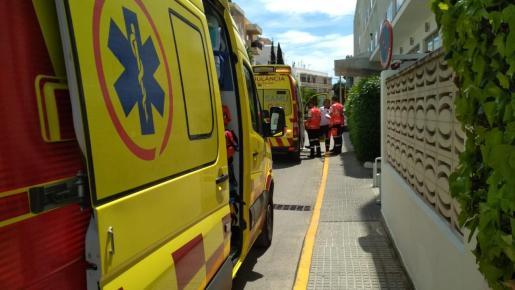 El 061 desplazó a dos ambulancias para atender al herido, que fue llevado a Can Misses