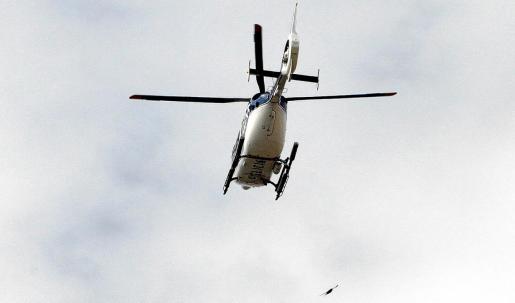El operativo practicó varios registros domiciliarios con el apoyo aéreo de un helicóptero