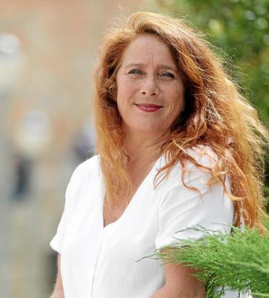 Viviana de Sans en la plaza del Parque de la ciudad de Ibiza.