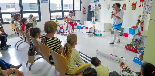 Los niños disfrutaron del espectáculo acompañados de sus familiares.