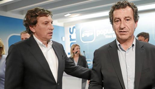 Company, con Isern, en la noche electoral. El candidato a alcalde podría seguir su mismo camino.