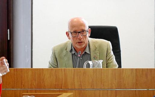Joan Ribas, en un pleno del Ayuntamiento de Eivissa.