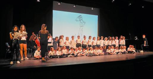 El auditorio de Jesús se llenó para disfrutar del concierto de los niños del Taller de Flauta Dolça Albarca.