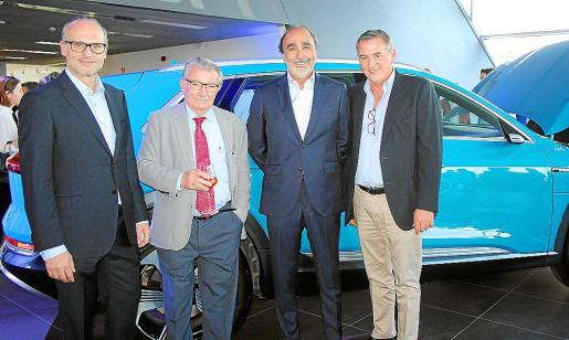 Sebastià Riusec, director general del Grupo One Motors; Guillem Pol, propietario del concesionario; Antoni Payeras, gerente de Audi, y Lluís Pol, consejero delegado de Grupo One Motors.