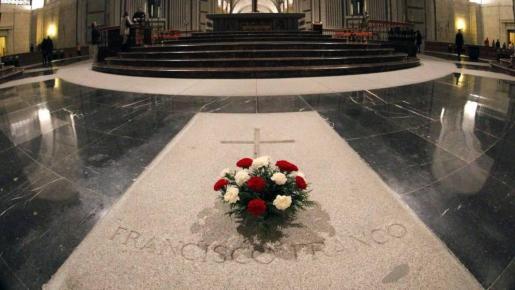 Fotografía de archivo tomada que muestra el interior de la basílica del Valle de los Caídos.