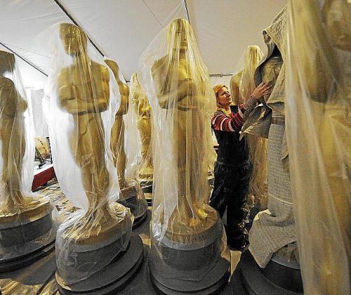 La cadena celebra su aniversario emitiendo peliculas con Oscar.