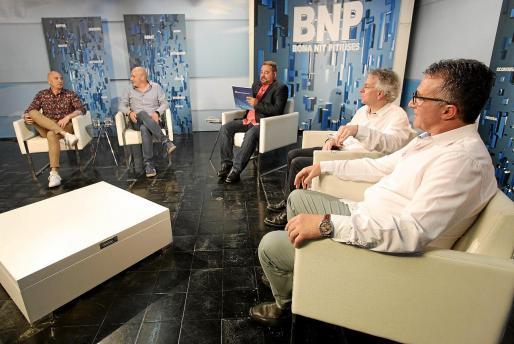 Felipe Zarco (CCOO), José Luis Benítez (Ocio de Ibiza), Toni Ruiz, Juanjo Riera (Fed. Hotelera) y Alfonso Rojo (Pimeef) en el Bona nit Pitiüses.