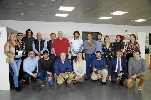 Los finalistas de la categoría Connect'Up Grow se reunieron con organizadores y mentores para una primera toma de contacto.