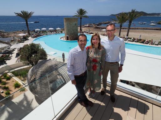 Rafael Torres, Juana María Torres y Ángel Piné tienen contacto directo con los clientes para ofrecerles la mejor experiencia.