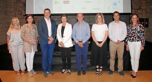 Susana Agustí, Paula Serra, Carlos Duarte, Carmen Serra, Manu San Félix, Paloma Martín, Aniol Esteban y Cristina Ozores.