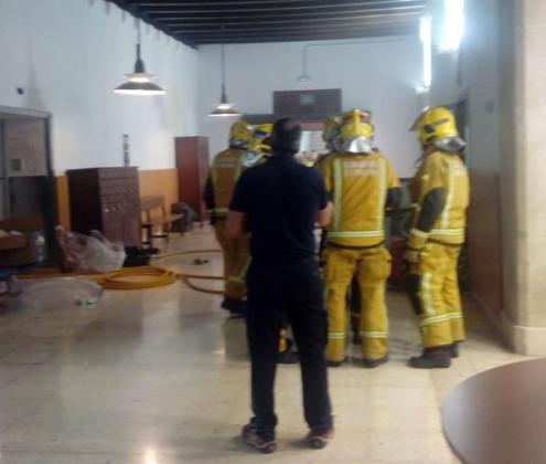 Los bombers de Palma han intervenido para apagar el fuego.