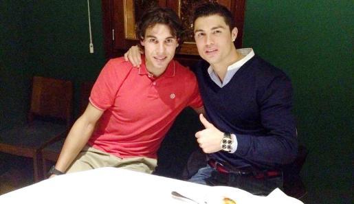 Nadal colgó ayer por la noche tras la cena en Palma una fotografía en Facebook y Twitter junto al jugador del Real Madrid.