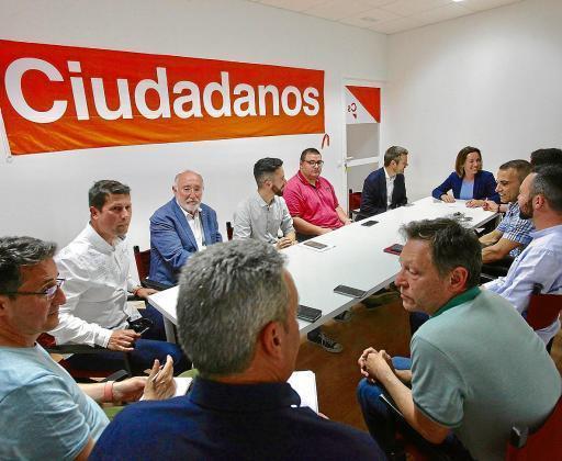 Imagen de archivo de una reunión de Ciudadanos en la sede del partido en Vila