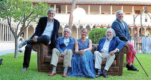 Esther Vidal, presidenta de ABEF, con Juanma López Iturriaga y los expresidentes de la entidad Josep Lluís Roses, Juan Carlos Rosselló y Rafael Salas.