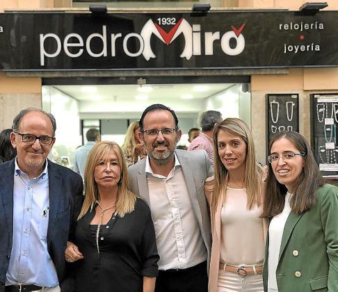 Pedro Miró, Fina Martínez, Pedro Miró, Estefanía Miró y Patricia Miró.