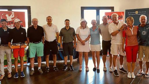 Todos los ganadores del torneo que se jugó en el campo de Maioris.