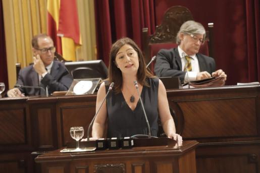 Para la jefa del ejecutivo en funciones, para quien el acuerdo programático firmado por el PSIB, Podemos y MÉS per Mallorca contribuirá a la «estabilidad política».