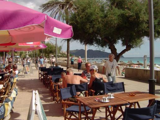Las buenas perspectivas turísticas harán que se dinamice el tejido empresarial balear, que aumenten las mercancías a las Islas y que el alza del gasto turístico se traduzca en un incremento de la actividad económica.