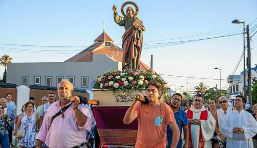 Las fiestas patronales de Ca'n Escandell celebran su tradicional misa solemne