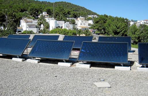 Placas solares instaladas en el centro de salud de Santa Eulària.