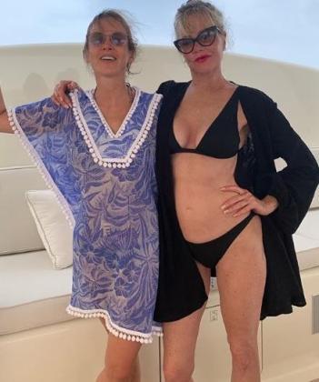 Melanie Griffith junto a Masha Adonyeva, de vacaciones en Mallorca.