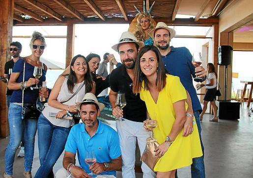 Xisca Fullana, Claudia Sunyer, Vanessa Edo, Climent Garau, Carles Ramon, Marga Mas y Llorenç Pol.