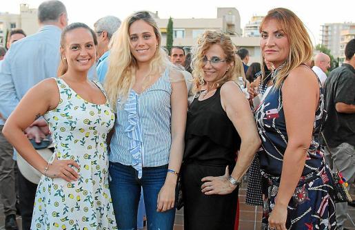 Nadia Covenaghi, Manuela Manotas, Marta Sernas y Lia Fabiana.