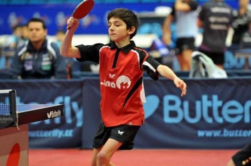 Mikel Padial ya suma dos oros en el nacional: por equipos en categoría alevín y en el dobles infantil.
