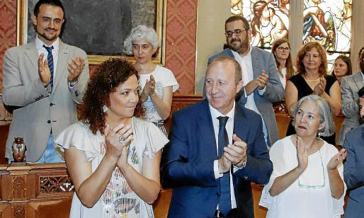 Vicenç Vidal (tercero por la izquierda en la fila superior), el conseller de Més en el Consell, apenas habrá estado 96 horas en la institución.