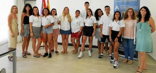 Los inscritos en el programa se forman en administración e idiomas.