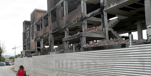 El edificio está en muy malas condiciones y, por seguridad, no puede haber nadie en su interior.