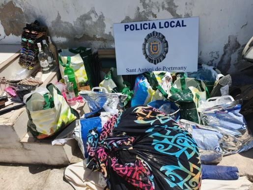 Material intervenido por los agentes durante el último operativo contra la venta ambulante.