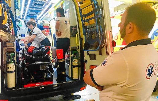 El Servei de Salut ha formado este verano a 215 profesionales, entre técnicos de emergencias y operadores del 061, en contención de agresiones físicas y verbales.