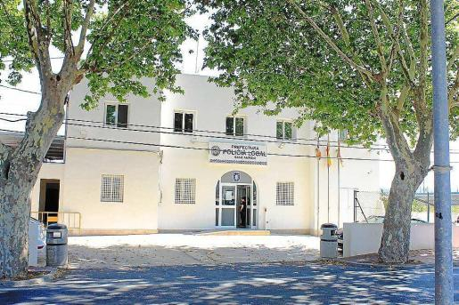 El detenido se negó de forma agresiva a desplazarse a su domicilio y a facilitar su pasaporte