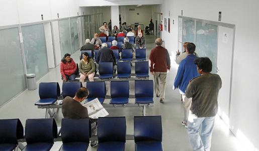 Imagen de archivo de la sala de espera del centro de salud de Pere Garau.
