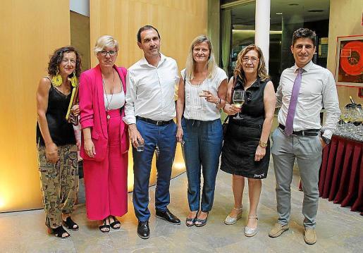 Gloria Olmos, Lola Puertas, Javier Fernández, Luisa Serra, Caterina Monserrat y Miguel Font.
