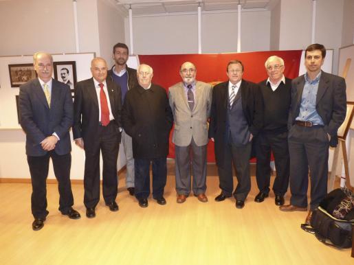 Paco Blasco, Guillermo Ginard, Micki Garro, Joan Mas, Francisco Llabrés -presidente de la Hermandad de Alfonsinos-, Bartomeu Vidal, Joan Martínez y Jordi Jiménez.