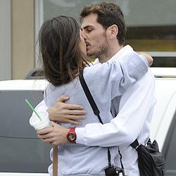 Iker Casillas y Sara Carbonero, en una apasionada imagen.