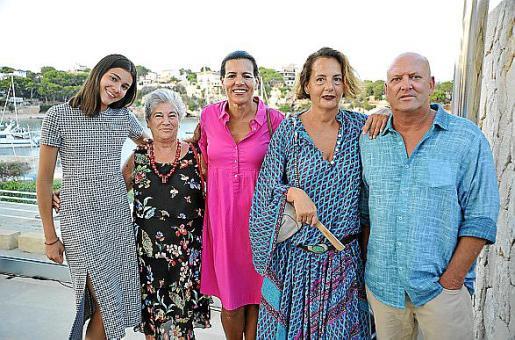 Nara Eschler, Isabel Massanet, Heidi Eschler, Martina Rosselló y Rolf Schier.