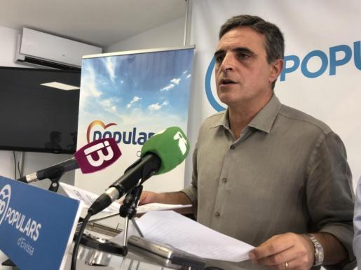 El portavoz del grupo municipal, José Vicente Marí Bosó, durante la rueda de prensa.