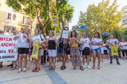 Un grupo de camareras de piso durante una de las huelgas celebradas en Ibiza.